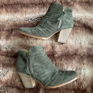 Paul Green Malibu Sliced Zip Bootie Olive Nubuck